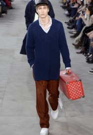 louis-vuitton-supreme-fw17-04-317x460