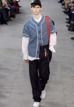 louis-vuitton-supreme-fw17-10-317x460
